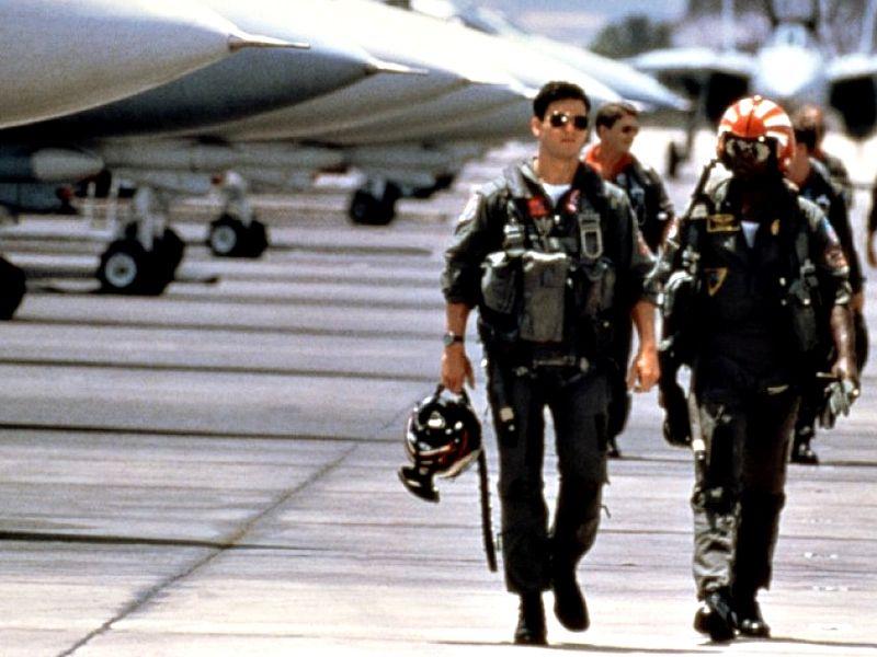 Tom Cruise As Maverick Jet Planes Background Wallpaper 800x600