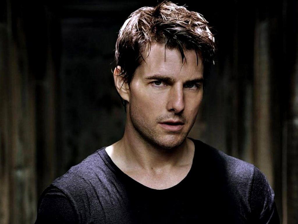 Tom Cruise Black Shirt Portrait Wallpaper 1024x768
