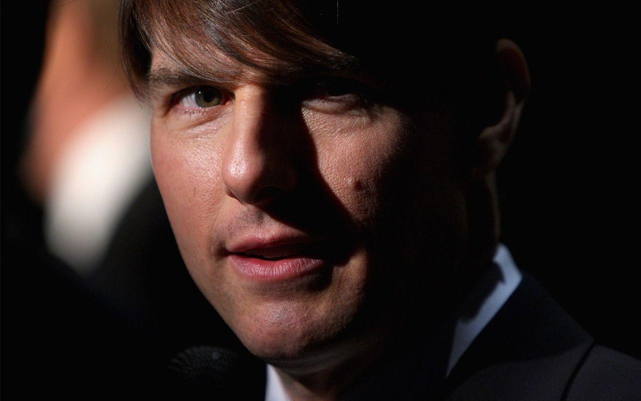 Tom Cruise Close Up Portrait Wallpaper 1280x800