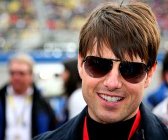 Tom Cruise Close Up Shades Wallpaper