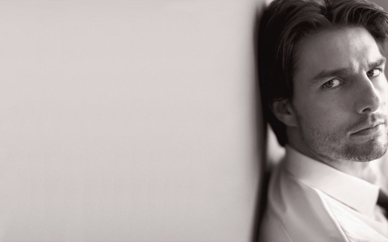 Tom Cruise Face By The Wall Wallpaper 1280x800