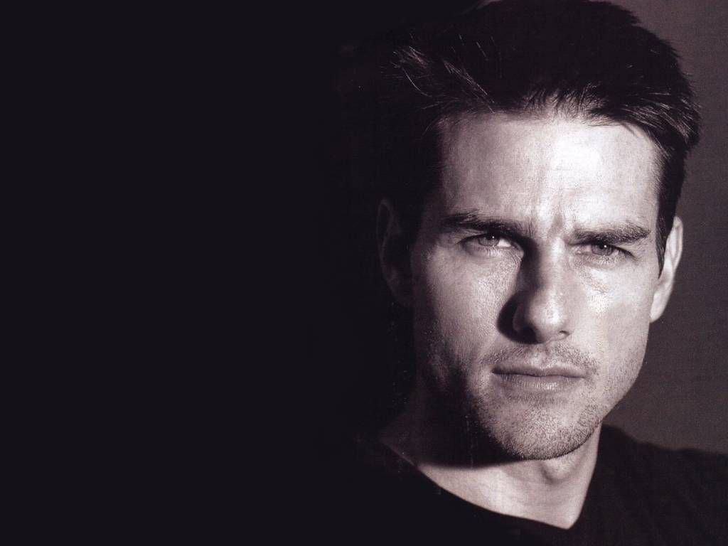 Tom Cruise Face Close Up Black Wallpaper 1024x768