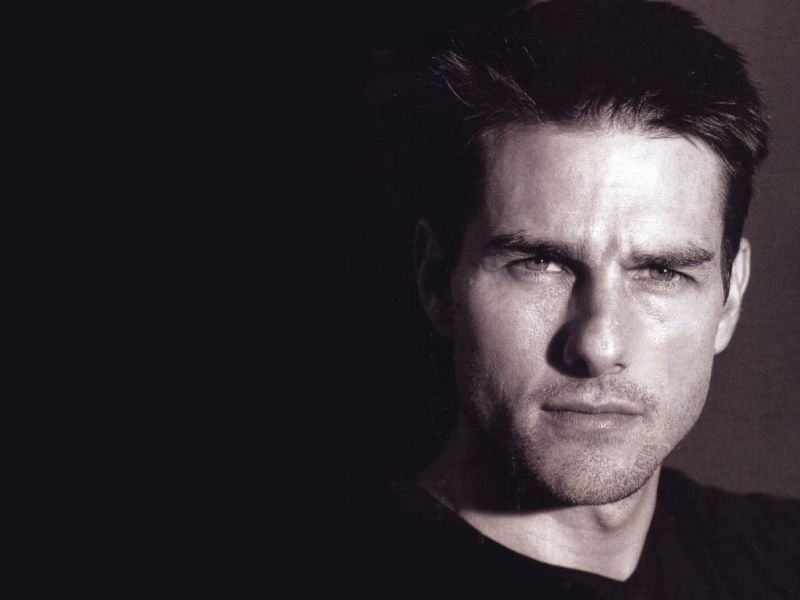 Tom Cruise Face Close Up Black Wallpaper 800x600