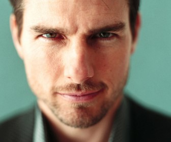 Tom Cruise Face Close Up Front Wallpaper