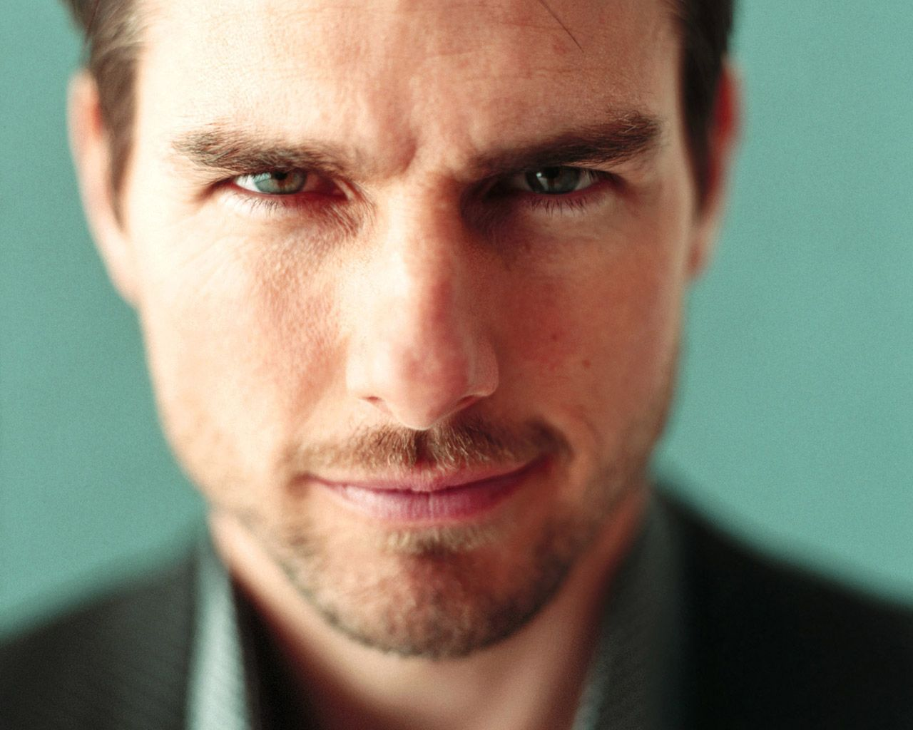 Tom Cruise Face Close Up Front Wallpaper 1280x1024