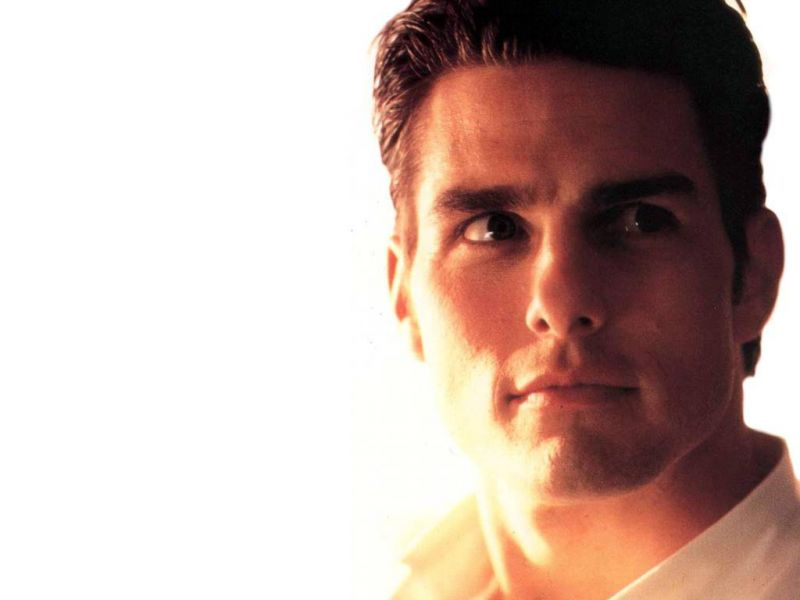 Tom Cruise Face Close Up White Wallpaper 800x600