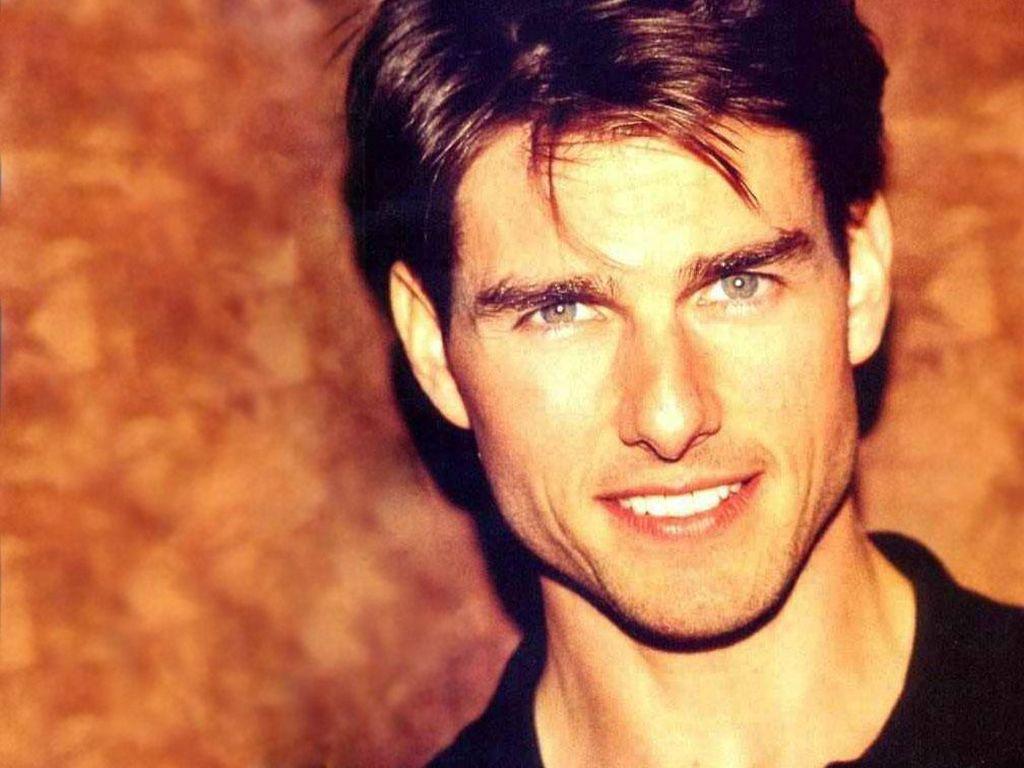 Tom Cruise Face Portrait Orange Background Wallpaper 1024x768
