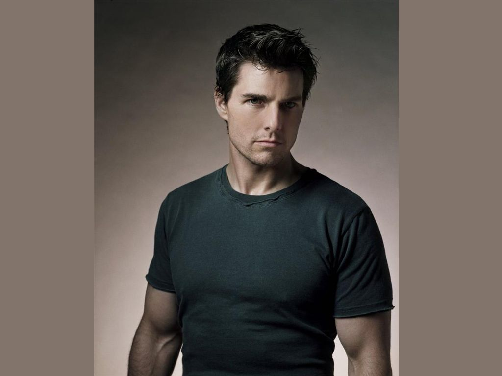 Tom Cruise Gray Shirt Portrait Wallpaper 1024x768