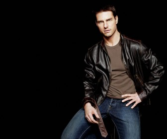 Tom Cruise Leather Jacket Portrait Wallpaper