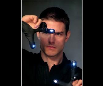 Tom Cruise Light On Fingers Minority Report Wallpaper