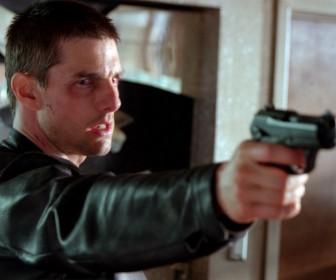 Tom Cruise Pointing Gun Minority Report Wallpaper