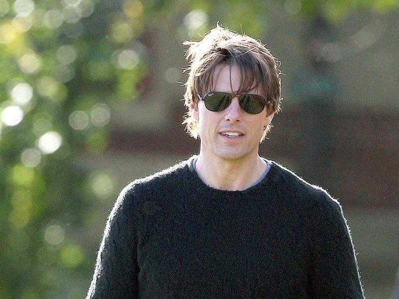 Tom Cruise Portrait Gray Sweater Wallpaper 800x600