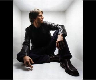 Tom Cruise Portrait Inside White Box Wallpaper