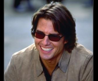Tom Cruise Shades Smiling Wallpaper