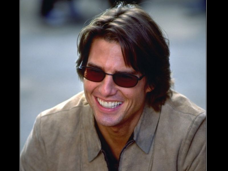 Tom Cruise Shades Smiling Wallpaper 800x600