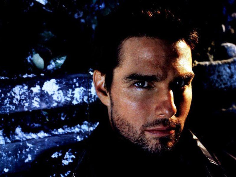 Tom Cruise Side Angle Portrait Wallpaper 800x600
